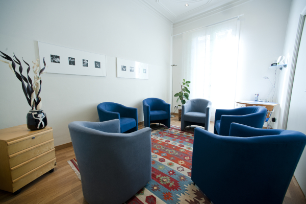 Terapia grupal en el centro de psicología Canvis de Barcelona